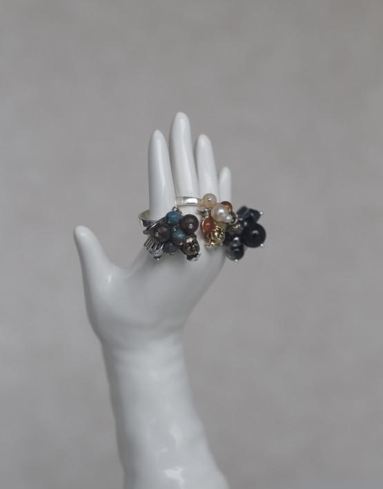 ring brun sten hand